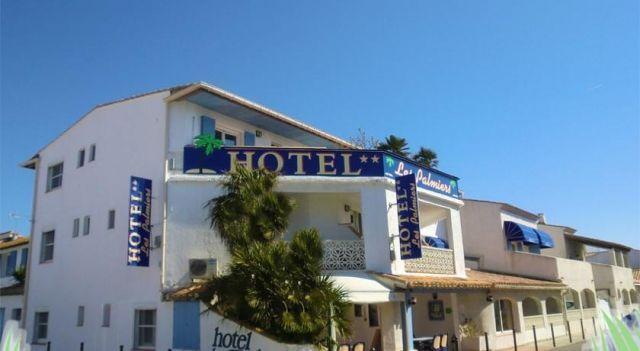 Hotel Les Palmiers En Camargue - 2 Star #Hotel - $100 - #Hotels #France #Saintes-Maries-de-la-Mer http://www.justigo.co.uk/hotels/france/saintes-maries-de-la-mer/les-palmiers-en-camargue_73737.html