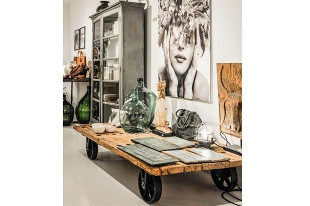 8 recursos para lograr el estilo industrial  Las maderas recuperadas y las ruedas de hierro también te van a ayudar a lograr la estética buscada.         Foto:Prettystylish.blogspot.com.ar