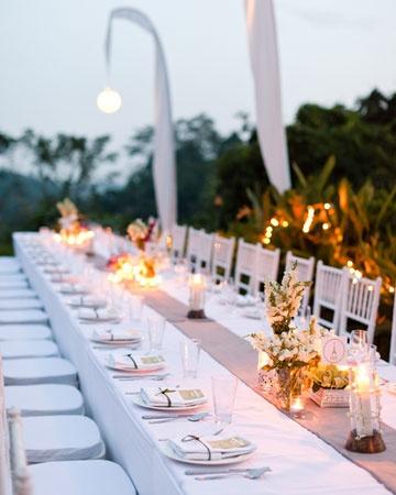 crisp white linen for a beautiful outdoor destination wedding reception