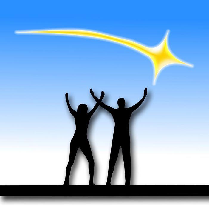 Pronti per la Misericordia? Cari amici, il Giubileo tocca il mio cuore in modo particolarmente delicato.  Sarà che sono molto legato alla Divina Misericordia  e con mia moglie ne abbiamo fatto uno stendardo di Grazia in casa e in ufficio. Il nostro caro Papa Francesco ha proprio ieri  aperto una nuova Porta Santa, nell'Ostello della Caritas  accanto alla stazione Termini di Roma, per sottolineare come la Misericordia non si acquista,  ma la riceve in dono coloro che la desiderano ........