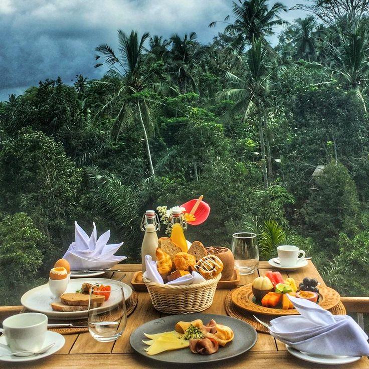 Breakfast of champions! Have our outstanding team at The Kelusa serve you the freshest, healthy and made-to-order breakfast.  http://www.samsaraubud.com/dining-in-ubud.php  #samsaraubud #samsarasenses #breakfast #love #ubud #bali #areyoureadytowander #thekelusa #restaurant #travel #holiday #vacation #islandlife #food #foodie #foodies #foodgasm #balinese #jungle #retreat #wonderfulindonesia #thebalibible