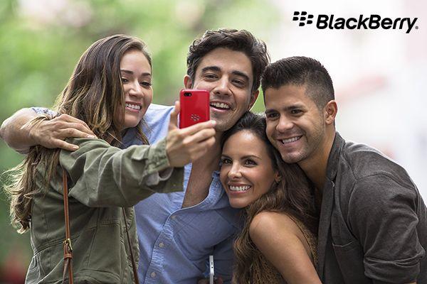 Puoi trasformare i momenti trascorsi con gli amici in un #film con #BlackBerry #StoryMaker! Scegli le foto più belle e crea la tua storia! #BlackBerryQ5 http://www.tim.it/prodotti/blackberry-q5-black