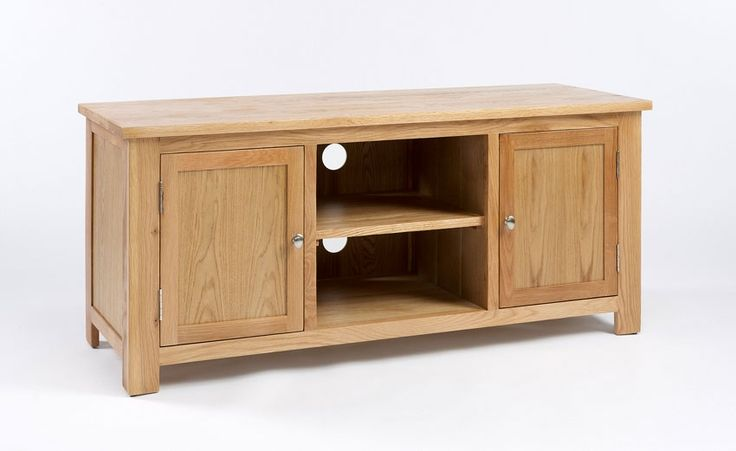 Lansdown Oak TV Unit Our Lansdown Oak furniture collection offers sleek contemporary styling superb manufacturing quality and incredible value for