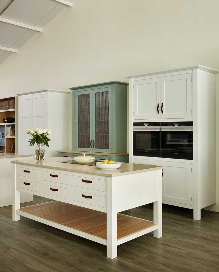 Kitchen Island With Sink And Hob: Baking Center, House Appliances And Kitchen Ideas