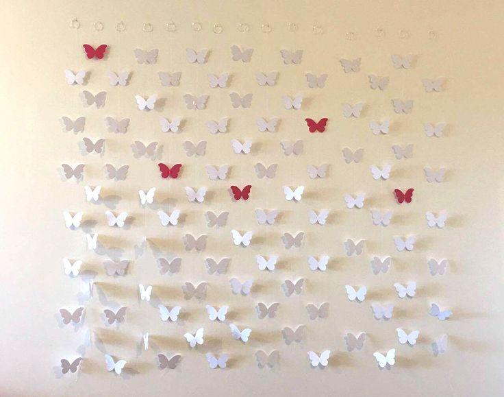 Linda cortina de borboletas, em papel de alta gramatura para a decoração do seu evento. São 15 fios com 7 borboletas cada, totalizando 105 borboletas.  Pode ser feito em outras cores e também com outras figuras. A altura pode ser ajustável de acordo com a sua necessidade.