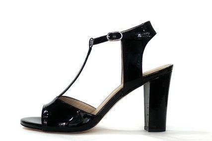 Sandalia piel charol negro con tacón ancho de la marca dibia, T uniendo pala con pulsera de cierre al tobillo.