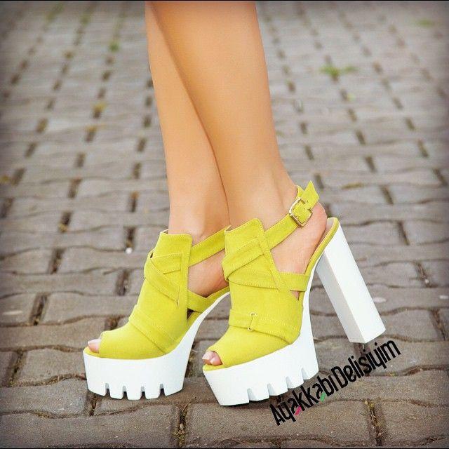 Kalın Beyaz Topuklu Yazlık Bayan Ayakkabı Modelleri - Women Shoes Fashion (11)