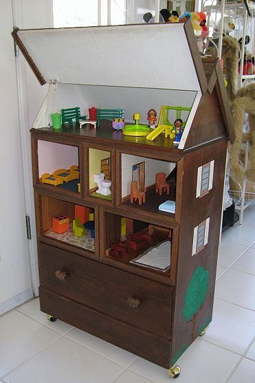 DIY::DOLL HOUSE  FROM YOUR OLD -OR DOLLARS AT THRIFT STORE- CHEST OF DRAWERS ! AMAZING COMPARED TO THE 200 DOLLAR OR MORE TOY STORE VERSION !