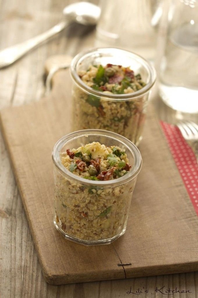 Taboule au quinoa, concombre, tomates sechees et graines de tournesol