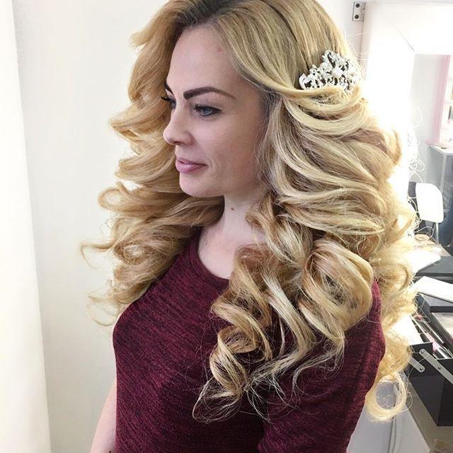 Барби Леночка) шикарные волосы ну прям идеально для наших фирменных локонов 😻😻😻@grimerka_krd #моиклиенткисамыекрасивые#гримеркакраснодар#студиякрасотыкраснодар #девочкитакиедевочки #smokyeyes #hudabeauty #макияжкраснодар #makeupkrasnodar 💓#прическакраснодар#свадебнаяприческакраснодар #красиваяприческа#вечерняяприческакраснодар#локоны#локоныкраснодар #кудри #кудрикраснодар#ломаныелоконы#собраннаяприческа#волны#голивудскиеволны#греческаяприческа