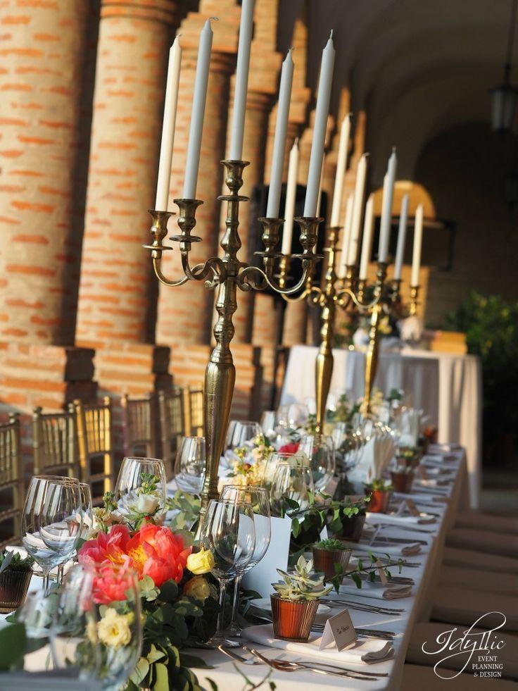 design nunta Palatul Mogosoaia / decor nunta sfesnice aurii / design floral
