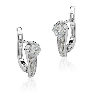 Tips to help you buy the perfect pair of earrings - to know more just visit our site ~ http://www.steinmetzdiamonds.com/en/diamonds.html