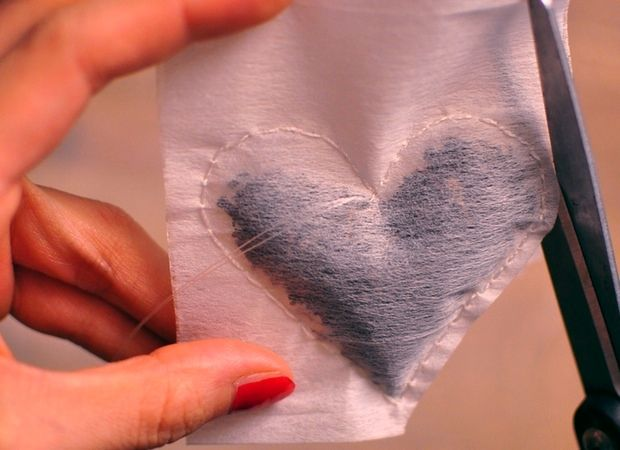 her imajination: diy : heart shaped tea bags from coffee filters LOVE