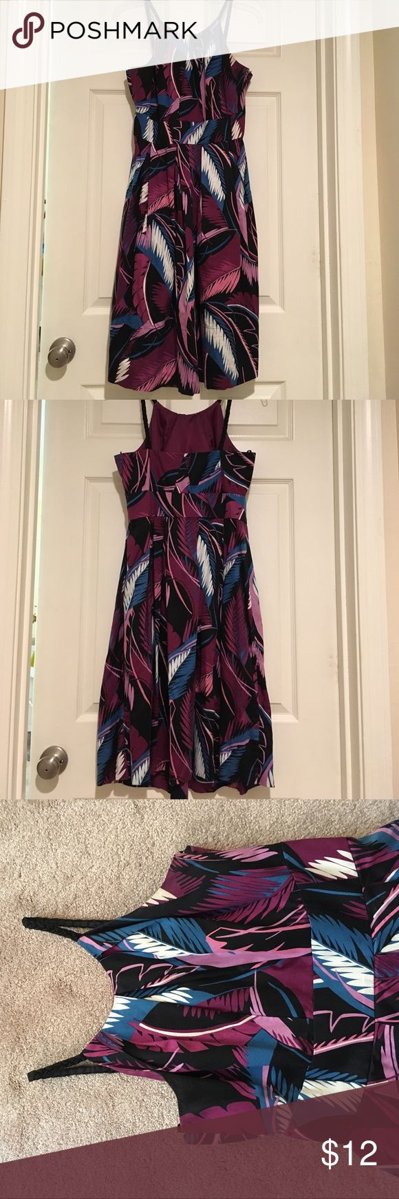 Donna Ricco New York summer dress • size 8 This bold print cotton summer dress is fun and comfortable to wear! Perfect for a summer gathering or event. And it has pockets! 39in long. Donna Ricco Dresses