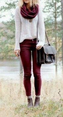 combinacion de pantalon vinotinto