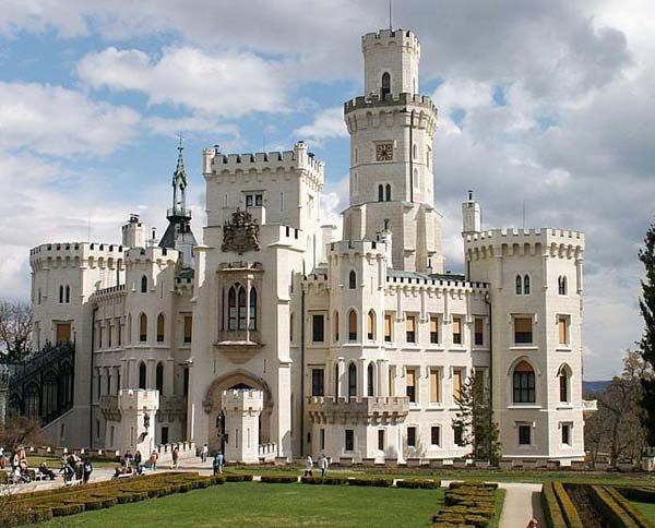 Hluboka Castle, Czech Republic. .:. .:. image credit:  http://thelistcafe.com/top-10-beautiful-real-lifes-fairy-tale-castles .:. .:. see also http://snowman.Energy526.com