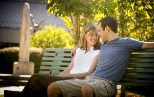 """""""Sapeva perfettamente che tutta la possibile saggezza accumulata nella storia dell'uomo negli ultimi trenta mila anni, tutti i possibili colloqui con tutti i cipressi del mondo, tutte le tolleranze, le musiche, le sapienze più antiche, niente insomma, niente gli dava più quella profonda sensazione di fresco e straordinario piacere di un tenere bacio di una dolce bambina, abbracciata su una panchina,. in un giardino di autunno."""" - Lettera di uno spermatozoo al suo babbo di M. Scalabrino, p…"""