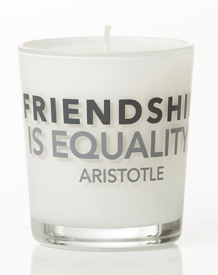 Friendship is equality - Aristotle. Violet scent. Dimension: D8x9cm. Material: paraffin.