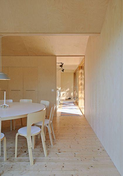 Pragmatiskt med utsikt av Martin Videgård, foto Åke E:son Lindman – http://www.tidningentra.se/reportage/pragmatisk-arkitektur-med-tydligt-uttryck #arkitektur i #trä