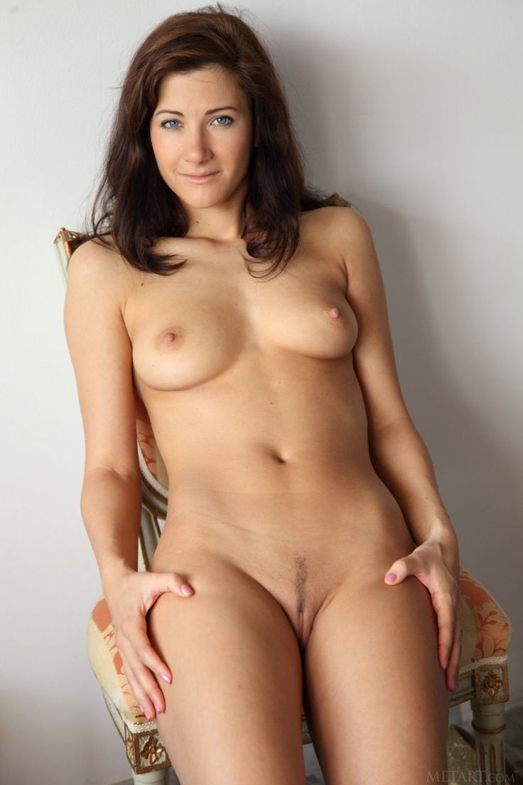 Nude Mature Strip 98