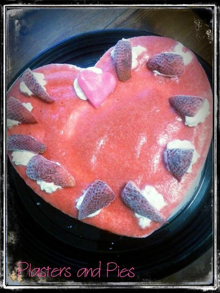 Semifreddo alla fragola con topping di fragole.......