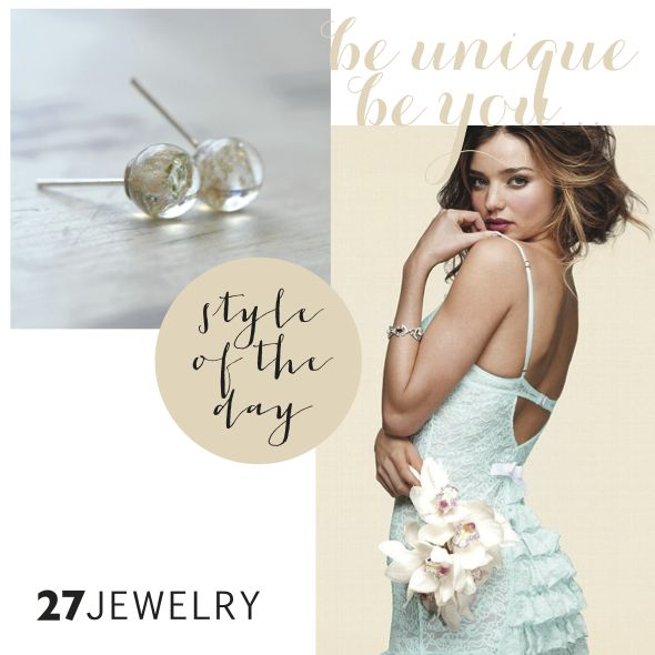 I hope you'll enjoy this Victoria's Secret sexy little thing in combination with 27jewelry Gold Pixie Dust earrings.