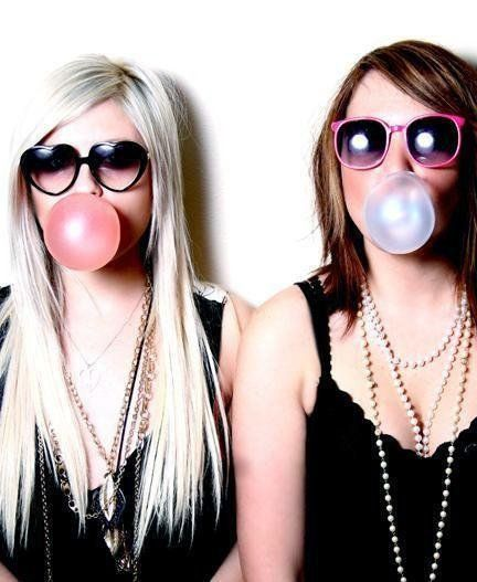 Best friend pic idea- we should do this with our heart sunglasses @Lauren Lane <3