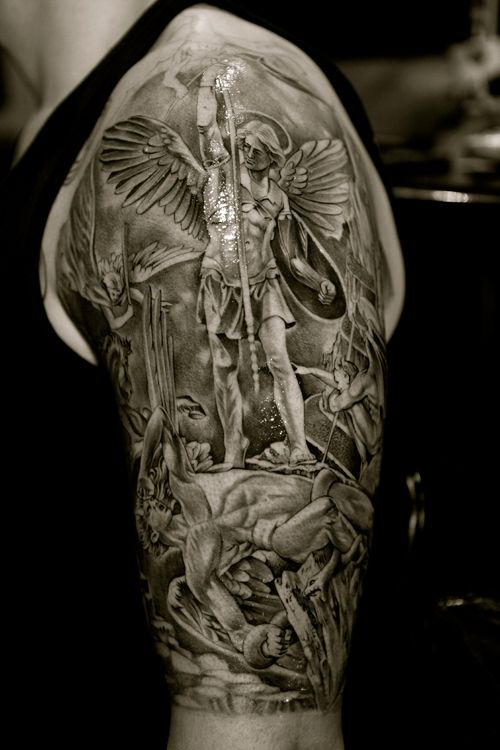 What if I was the tattoo? the detail on this is mind blowing, when I clicked zoom it was just as impressive.