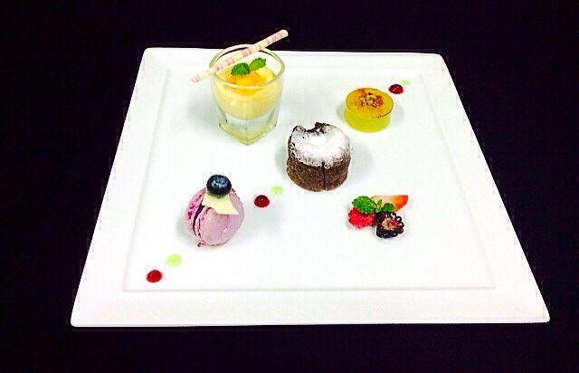 Mini Chocolate Molleaux,Mango Pannacota,Pistachio Creme Brulee,Blueberry Macaroon