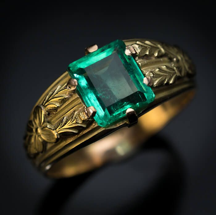 Antique Russian Emerald Chased Gold Men S Ring Mens