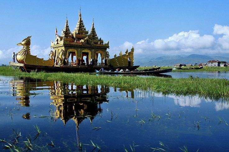 Inle Lake ... Myanmar / Burma