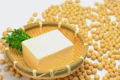 Ecco una raccolta di alcune ricette con il Tofu semplici e veloci da realizzare, adatte proprio a tutti i gusti e a tutte le esigenze.