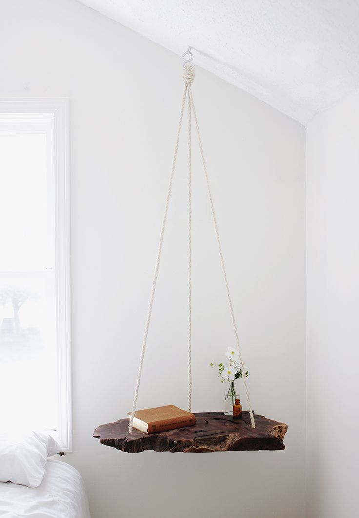DIY: hanging table. This is so cool!: Idea, Hanging Bedside, Decoration, Diy'S Projects, Diy'S Hanging, Hanging Side, Bedside Tables, Night Stands, Hanging Tables