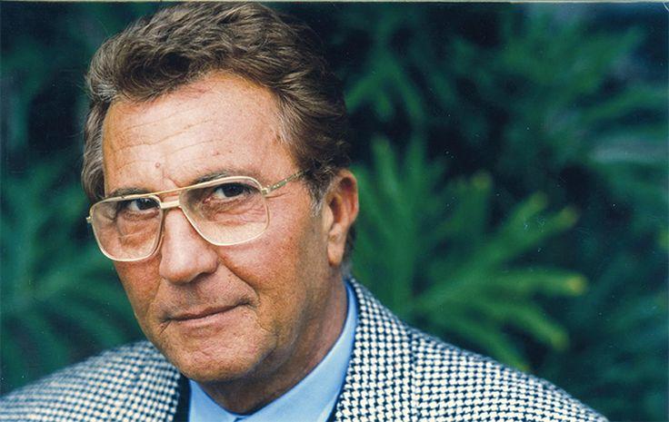 Пино Карузо актёр, телеведущий, писатель, публицист #вегетарианец #veggiepeople http://veggiepeople.ru/node/2476  Итальянский актёр, телеведущий, писатель и публицист.