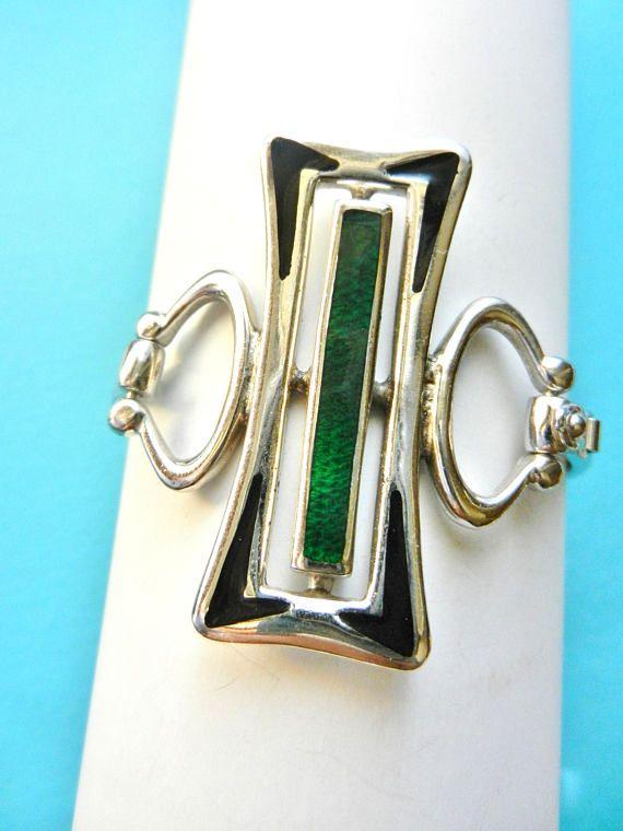 Modernist solid silver sterling clamper-style bracelet  1970s