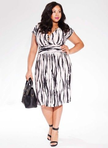 Gemma Plus Size Dress in Black/Ivory