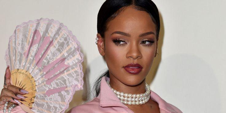 Rihanna è la prima donna a vincere 'Shoe of the Year'  - ELLE.it