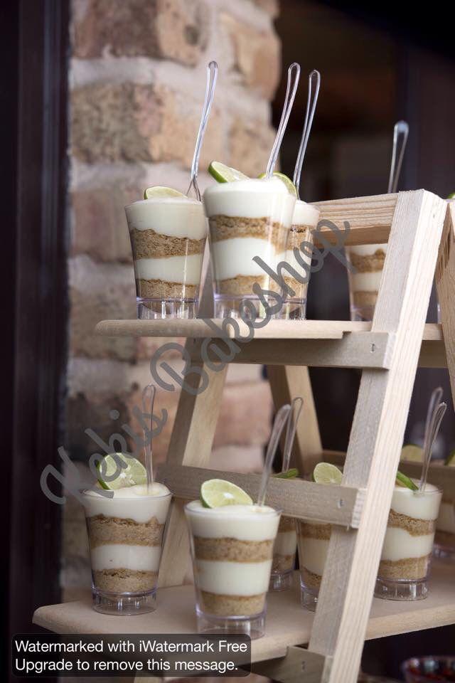 Mesa de postres primera comunion Desserts for first communion shabby chic