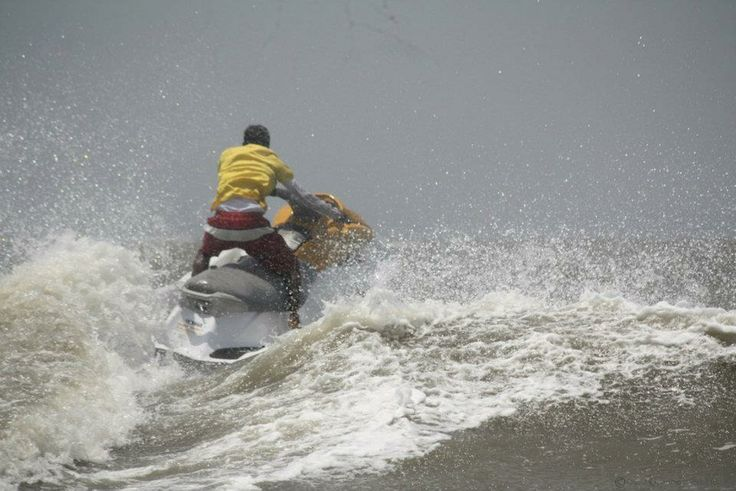 Zip Zap Zoom with waters sports in Mumbai at Mandwa beach on one of our high-powered jet skis. This exhilarating activity encapsulates the thrill of riding powerful Yamaha Engine and fun of being on the water simultaneously. Recharge yourself while pampering with myriad of water sports at Mandwa, which is located 20 km north of Alibaug and is thronged by number of tourists which has a charm of its own --with its beautiful groves of palm trees.
