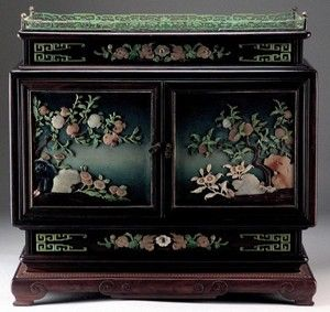 http://news-antique.com/primages/1/Chinesecabinet.jpg