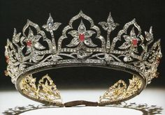 Made for Queen Victoria in 1853. Originally set with opals because Prince Albert liked them.