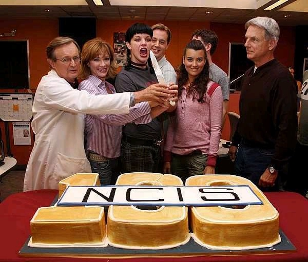 YES NCIS is the best and it look awesome so yes 100 ncis i think that is how old duckey is so his smarts are awesome !!!!