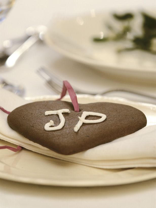 Edible Holiday Place Cards:   Create fun place cards your holiday guests will never forget. These Scandinavian ginger cookies not only make fun place cards, but they are also a delicious combination of spicy, crunchy sweetness.   Excerpted from A Greener Christmas [click on photo for how to make]