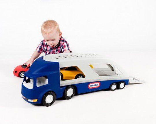 Lizlovelife  De leukste verjaardagscadeau's voor kinderen onder de 4 Little Tikes Grote Auto Transporter