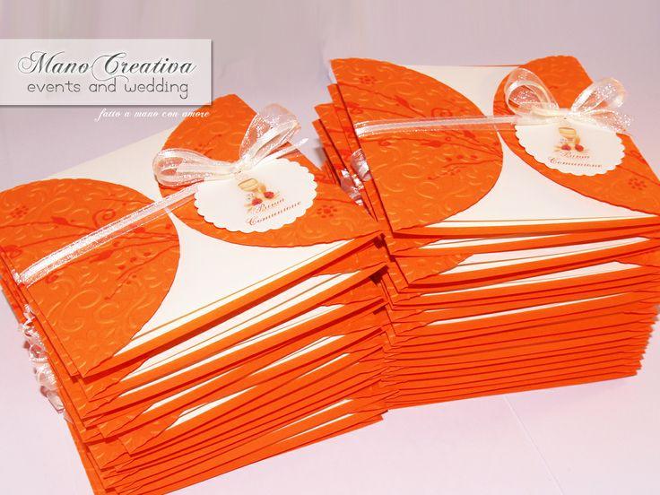 Per la Prima Comunione di NICOLA... ...inviti in arancione e avorio. Illustrazioni © Vanessa D'Alba