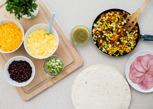 How to Make a Breakfast Burrito (+ A Week of Breakfasts in 20 Minutes) | HelloNatural.co