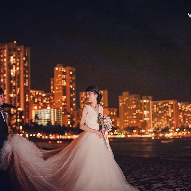 #Hawaii 朝のホテルでのメイクシーンから、教会での結婚式。 ビーチとパークでのロケーション撮影。 夜はハウツリーラナイで家族だけのパーティー。…