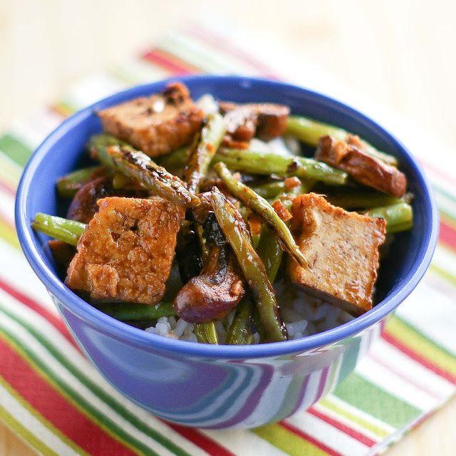 El Factor de Yum Yum: Habas verdes, tofu y champiñones en salsa de frijol Negro