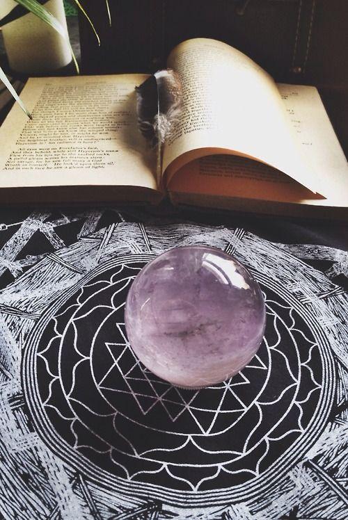 Fata's Vardo: #Crystal #Ball.