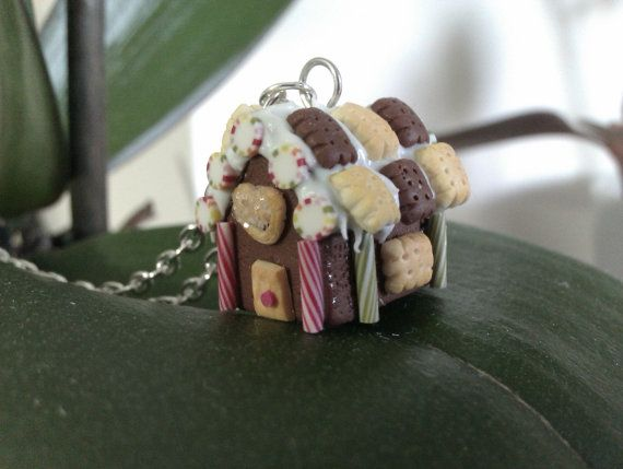Handmade polymer clay Gingerbread Houses pendant by MiniCose, €28.00